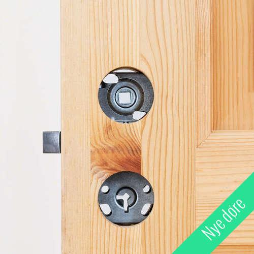 Ny dør med de 2 runde huller på hver 40 mm med plads til gennemgående skruer