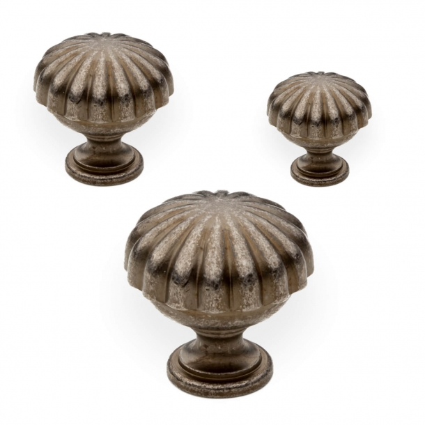 Cabinet knob - Old iron oxidized - Enrico Cassina - Model 168