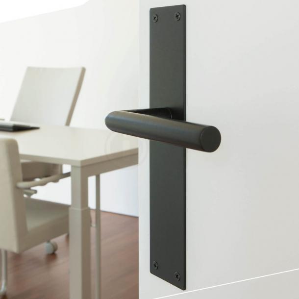 Dörrhandtag inomhus på långskylt - Matt svart - Tomt - Modell 583