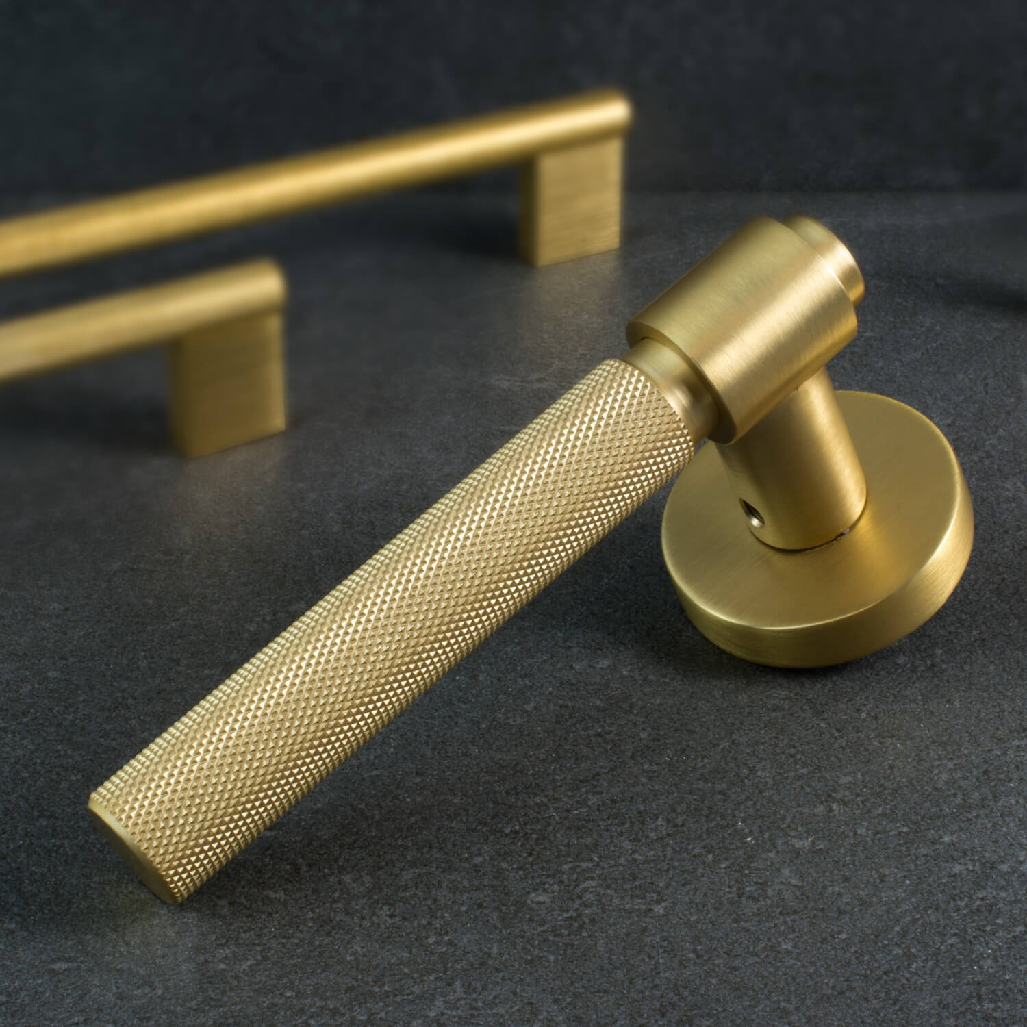 Dørgreb - Helix - Antik bronze - Børstet messing - Mat sort - Børstet stål