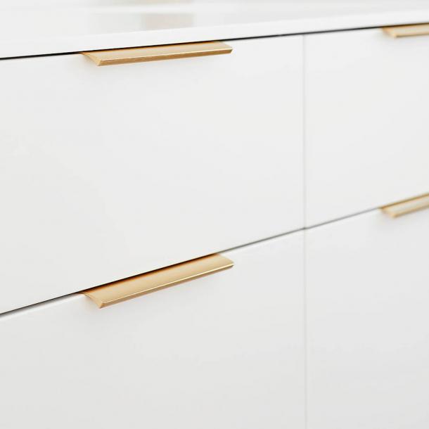 Möbelhandtag - Borstad mässing - EDGE STRAIGHT - 200 mm