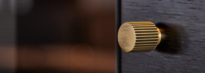 Møbelknopper - Beslag - Design - Messing -  Rustfrit stål - Antik bronze - Sort - Villahus