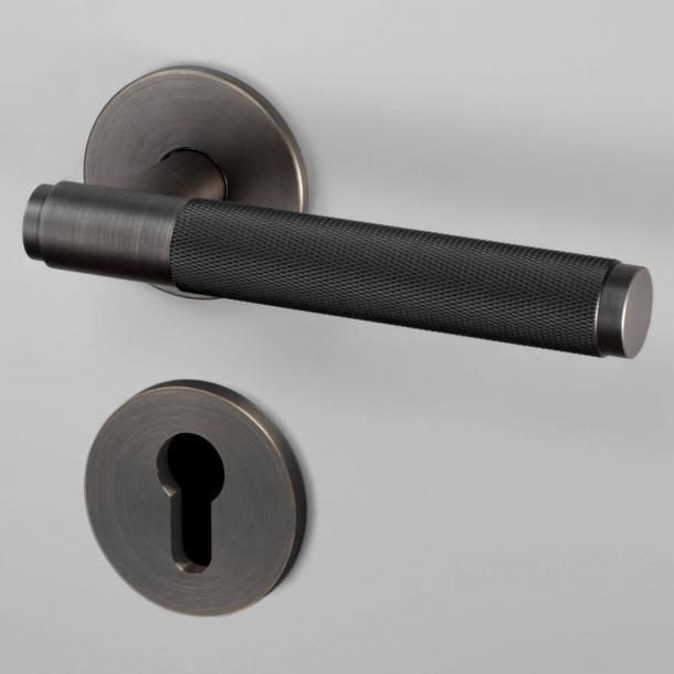 Klamka do drzwi z rozeta pod zamek PZ- Buster+Punch - Wędzony brąz - cc38mm