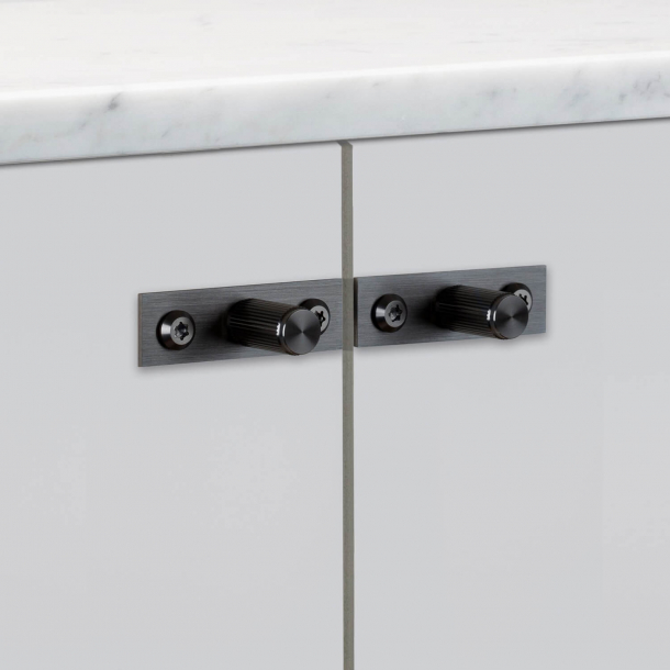 Buster + Punch - LINEAR Plate - Furniture knobs (2 pcs) - Gun metal - 12 x 25 mm