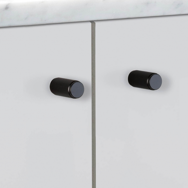 Buster + Punch - LINEAR - Furniture knobs (2 pcs) - Black - 12 x 25 mm