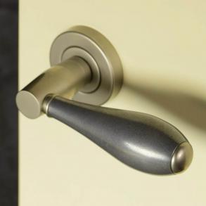 Door handles - Model D1002 Turnstyle Designs