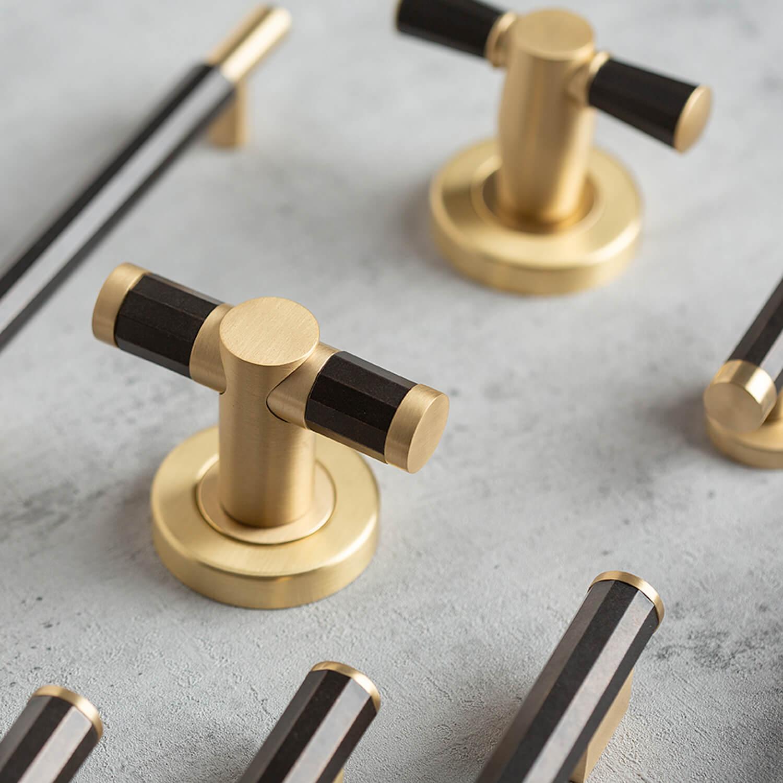 Dørhåndtag - Turnstyle designs - Læder og metal
