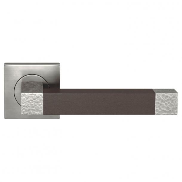 Turnstyle Design Dørgreb - Chokoladefarvet læder / Mørk poleret nikkel - Model HR1021