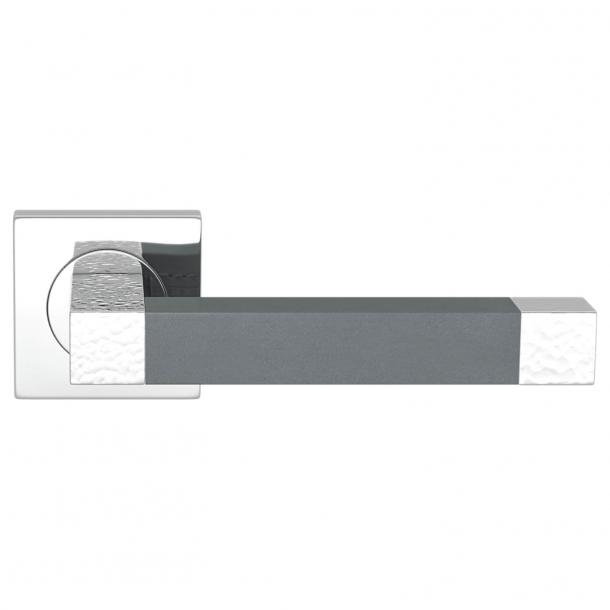 Turnstyle Design Dørgreb - Slate gray leather / Bright chrome - Model HR1021