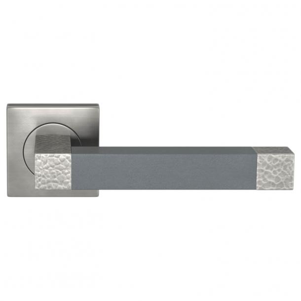 Turnstyle Design Dørgreb - Slate gray leather / Burnished nickel - Model HR1021