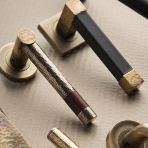 Door handles - Model HR1021 Turnstyle Design