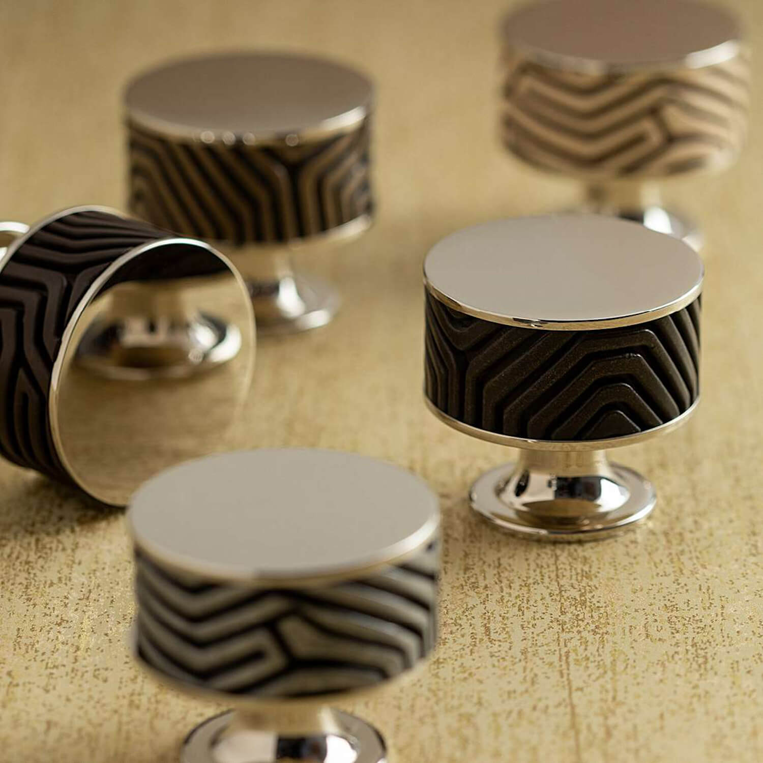 Cabinet knob - Black bronze - Chrome - Stacked wire - Turnstyle - Villahus