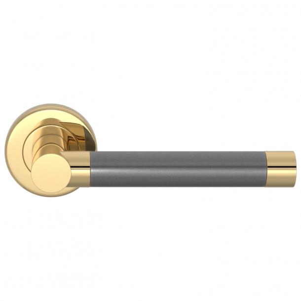 Turnstyle Design Door handle - Alupewt / Polished brass - Model P1333