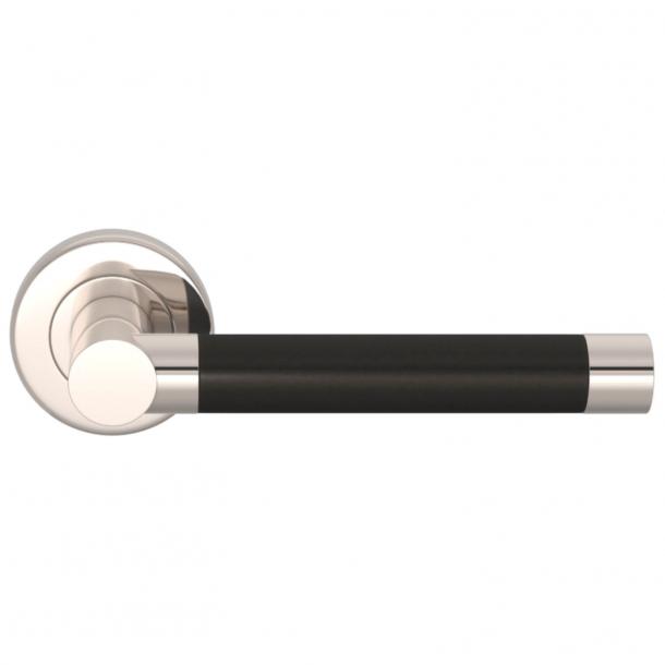 Turnstyle Design Door handle - Black bronze / Polished nickel - Model P1333