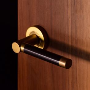 Door handles - Model P1333 Turnstyle Designs