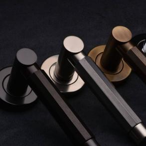 Door handles - Model P1440 Turnstyle Design