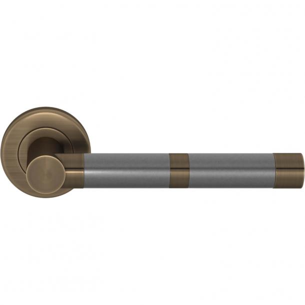 Turnstyle Design Door handle - Amalfine - Alupewt / Antique brass - Model P2771