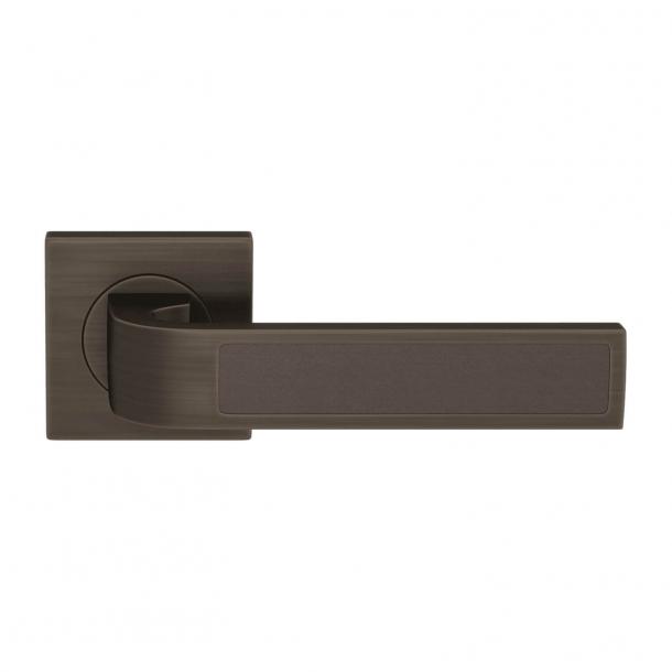 Turnstyle Design Dörrhandtag - Chokladfärgat läder / Vintage patina - Model R1022