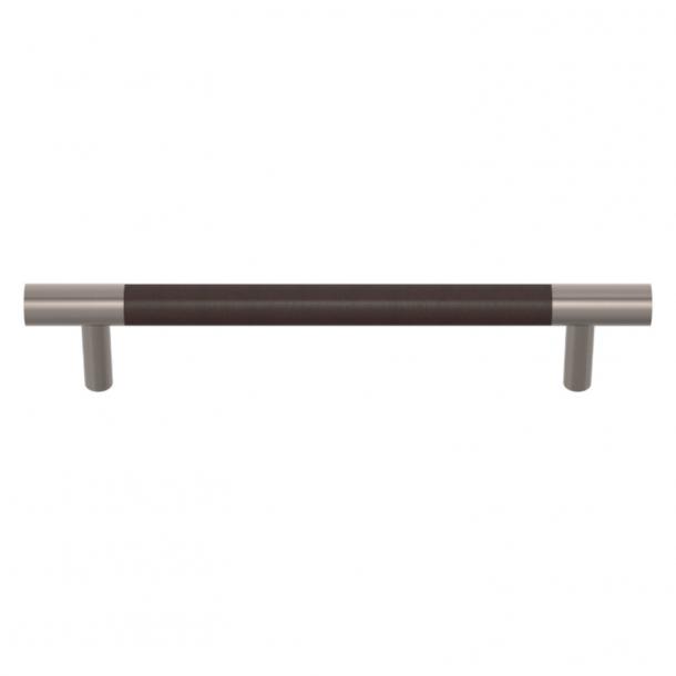 Uchwyt do mebli - Turnstyle Designs  - Skóra w kolorze czekolady / Nikiel satynowy - Model R1197