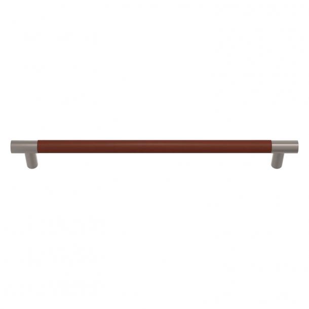 Turnstyle Designs Möbelhandtag - Kastanjfärgat läder / Satäng nickel - Modell R1300