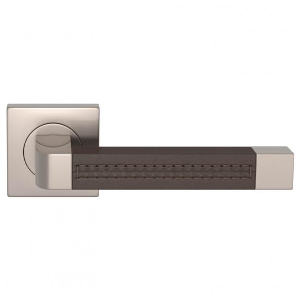 Turnstyle Design Dörrhandtag - Chokladfärgat läder / Satäng nickel - Model R1941