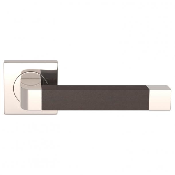 Turnstyle Design Dörrhandtag - Chokladfärgat läder / Polerat nickel - Model R2030