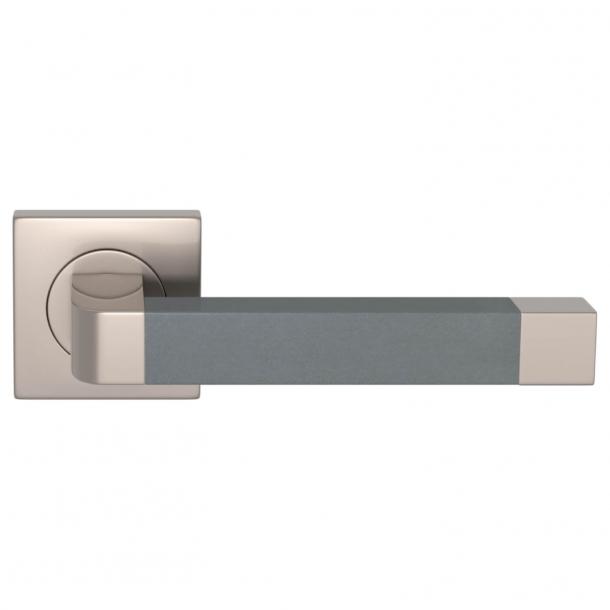 Turnstyle Design Dörrhandtag - Skiffergrått läder / Satäng nickel - Model R2030