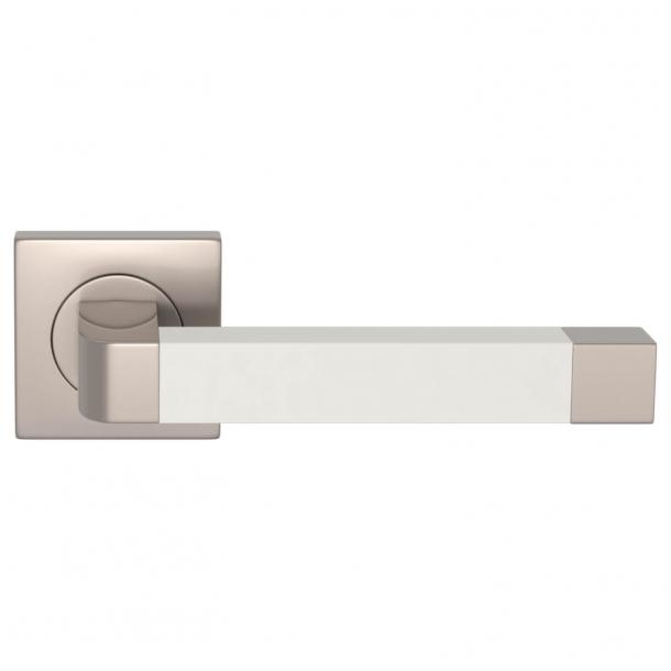 Turnstyle Design Dørgreb - Hvidt læder / Satin nikkel - Model R2030
