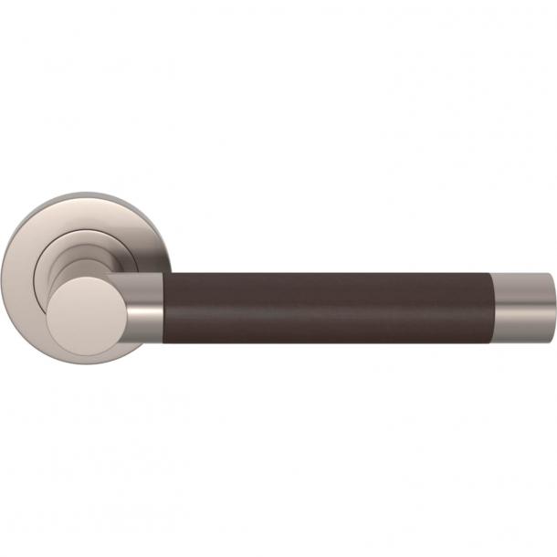 Klamka do drzwi - Skóra w kolorze czekolady / Nikiel satynowy - Turnstyle Designs - Model R3083