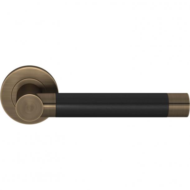 Klamka do drzwi - Czarna skóra / Mosiądz antyczny - Turnstyle Designs - Model R3083