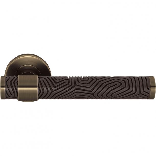 Turnstyle Design Door handle - Cocoa / Antique brass - Model B7005