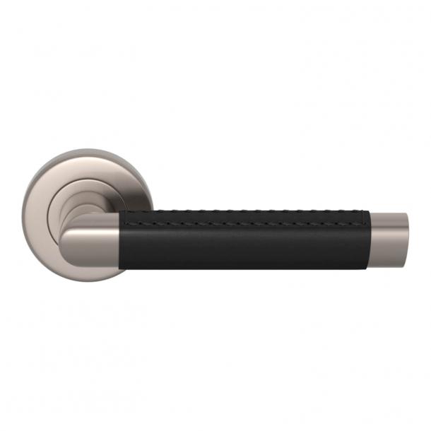 Turnstyle Design Dørgreb - Sort læder / Satin nikkel - Model C1414