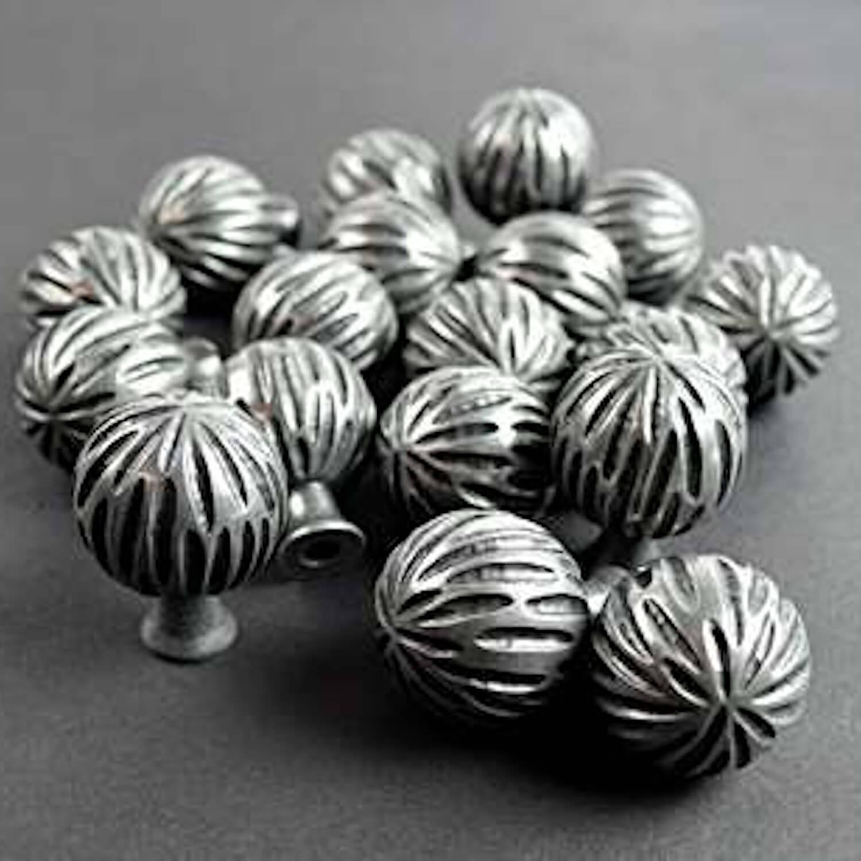 Gałka - Turnstyle Design - mosiądz - Czarny brąz - srebrny brąz - Villahus