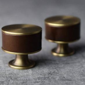 Turnstyle Designs cabinet knob model P5065