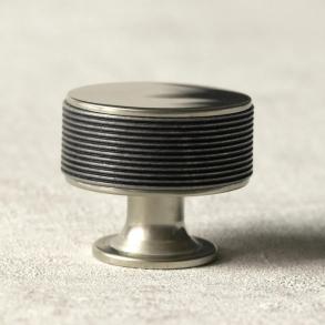 Turnstyle Designs cabinet knob model P5082