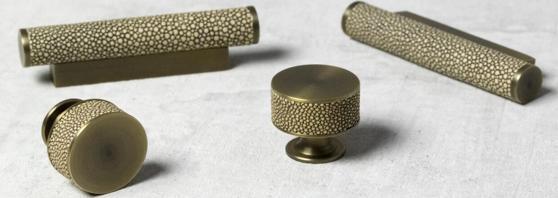 Møbelknopper - Turnstyle designs - Blank krom - Satin nickel- Poleret nikkel - Poleret messing - Antik messing - Vintage nikkel - Vintage patina - VillaHus