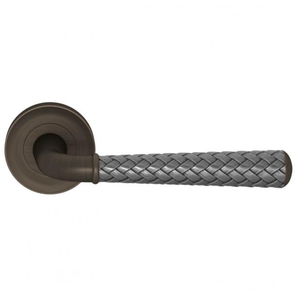 Turnstyle Design Door handle - Alupewt / Vintage patina - Model DF1175