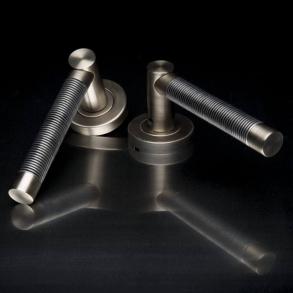 Door handles - Model P2702 Turnstyle Design