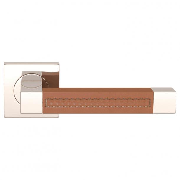Klamka do drzwi - Turnstyle Design - Skóra jasno brązowa / Polerowany nikiel